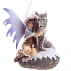 Hada de Nieve abrazando a Lobo